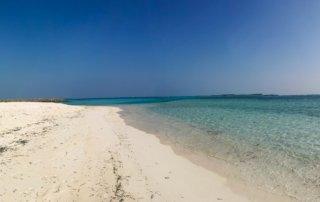 Maafushi-spiaggia-mare