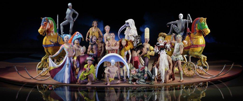 acrobati del cirqus de soleil al Bellagio a Las Vegas