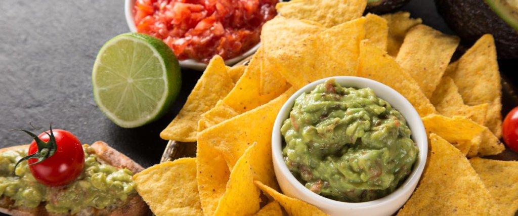 nachos e guacamole